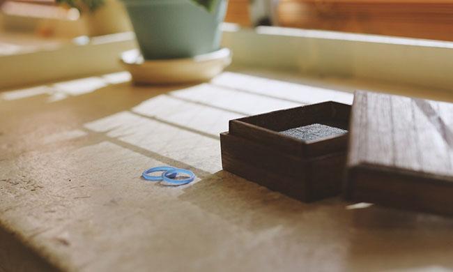 ワックスで作られた手作り結婚指輪の原型