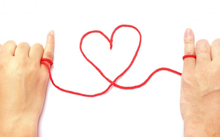 ピンキーリング,小指,指輪,赤い糸